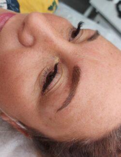 semi permanent eyebrows/microblading